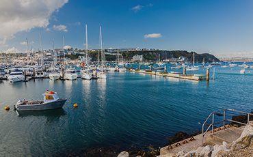Sprachreise nach Torbay Marina Teaser