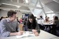Sprachschueler in Newcastle lernen Englisch