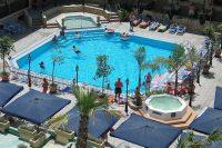Sprachreise für Schüler nach Malta - Unterkunft in der Residenz mit Pool
