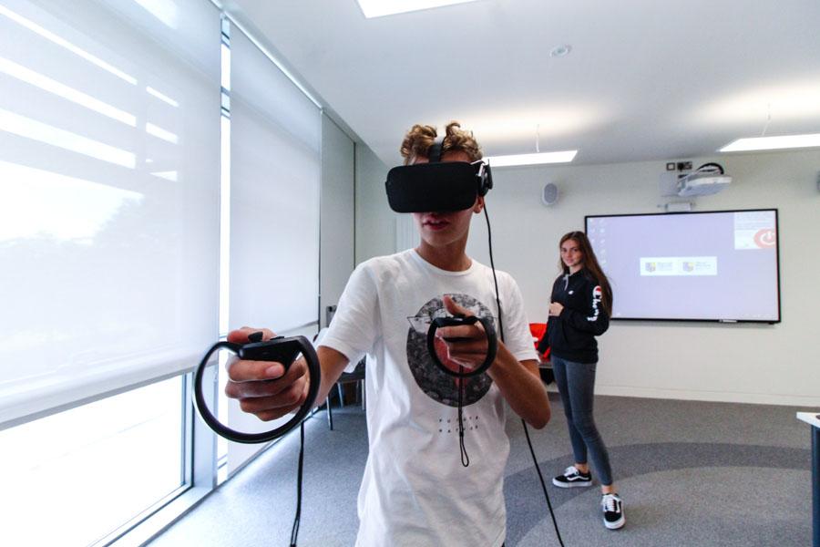 Sprachschule für Schüler in Dublin Maynooth - VR Technologie